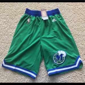 adidas Shorts - Dallas Mavericks hardwood classic swingman shorts